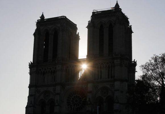 Παναγία των Παρισίων: Τζιχαντιστές πανηγυρίζουν για τη φωτιά