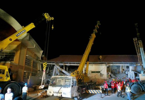 Φιλιππίνες: Νέος ισχυρότερος σεισμός την ώρα που έψαχναν για επιζώντες
