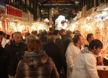 Λιγότερες αγορές έκαναν το Πάσχα οι Ελληνες