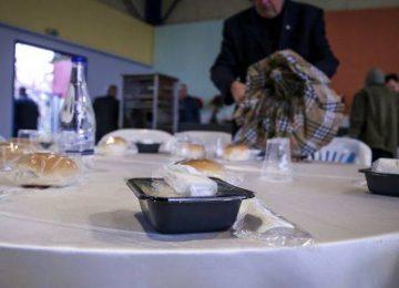 Δήμος Αθηναίων: Γιορτινό τραπέζι το Πάσχα για τις ευάλωτες ομάδες