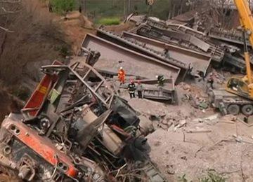 Κίνα: Εκτροχιασμός τρένου πάνω σε σπίτι – Έξι νεκροί