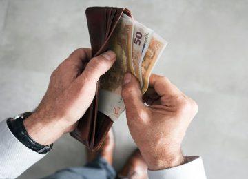 ΚΕΑ και προνοιακά επιδόματα: Πληρωμή πριν το Πάσχα