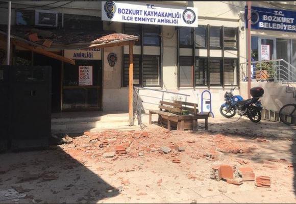 Τουρκία : Ο σεισμός ισοπέδωσε κτίρια