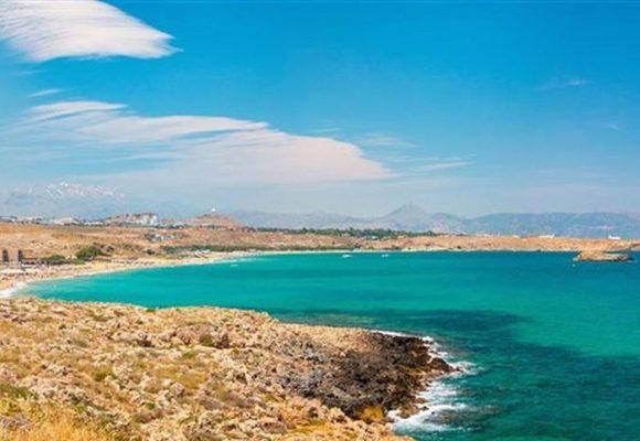 Ηράκλειο: Εθελοντικές ομάδες καθαρισαν την παραλία Καρτερού