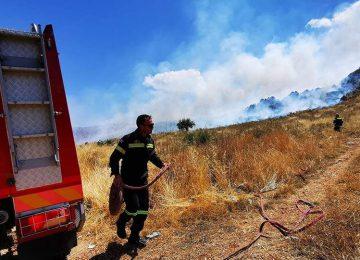 Φωτιές live: «Πορτοκαλί» συναγερμός στη μισή χώρα