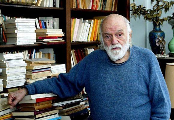 Νάνος Βαλαωρίτης: Πέθανε ο γνωστός συγγραφέας