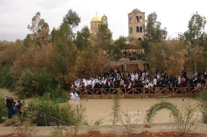 Των Φώτων – Ιορδάνης ποταμός : Εδώ βαφτίστηκε ο Χριστός (ΒΙΝΤΕΟ)