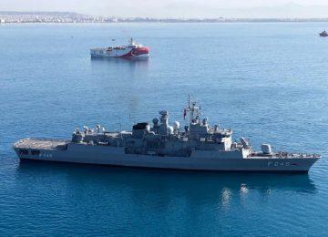Πόλεμος Ελλάδας-Τουρκίας: «Το έβαλαν» στα πόδια οι Τούρκοι – Γυρίζει στην Αττάλεια το Oruc Reis