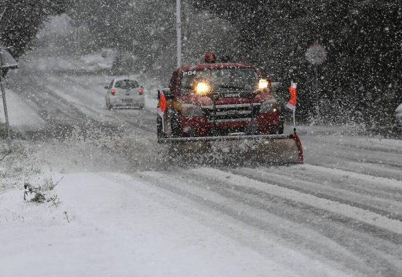 Καιρός σήμερα: Ξεκίνα η… ψυχρή εισβολή – Βροχές και χιόνια σε όλη τη χώρα (video)