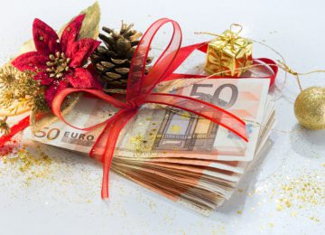 Δώρο Χριστουγέννων: Ψαλιδισμένο και σε δόσεις για χιλιάδες εργαζόμενους – Επίδομα 534 ευρώ