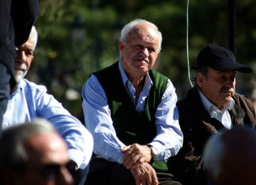 Αναδρομικά συνταξιούχων: Ξεκινά η διπλή δικαστική μάχη για 2,5 δισ. ευρώ – ΕΦΚΑ εισφορές