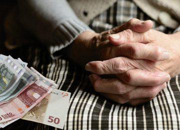 Βρούτσης: Έκτακτη ενίσχυση σε 105.818 συνταξιούχους – 800 ευρώ πληρωμή , Συντάξεις αναδρομικά ΝΕΑ