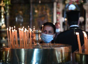 Κορονοϊός: «Σφραγίζουν» τις εκκλησίες, ανοιχτές μόνο Χριστούγεννα και φώτα – Άλλαξε ώρα η απαγόρευση κυκλοφορίας (video)