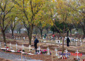 ΑΝΑΤΡΙΧΙΑΣΤΙΚΟ! Σοκάρουν οι εργάτες στα νεκροταφεία Θέρμης: «Σκάβουμε τάφους μέσα στο σκοτάδι»