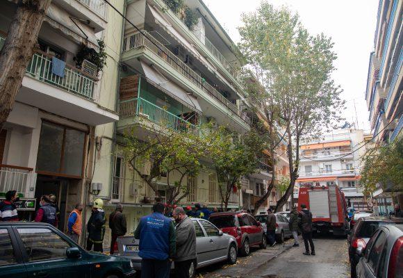 Τραγωδία στη Θεσσαλονίκη – Κάηκε ζωντανός 16χρονος στο σπίτι του, σώθηκε μία μητέρα και το παιδί της