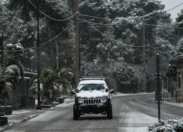 Κακοκαιρία «Λέανδρος»: Διεκόπη η κυκλοφορία σε Πάρνηθα και Υμηττό – Απαγόρευση για φορτηγά