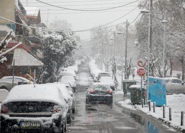 Καιρός σήμερα: «Στην κατάψυξη» όλη η χώρα – Πολικές θερμοκρασίες και χιόνια παντού (video)