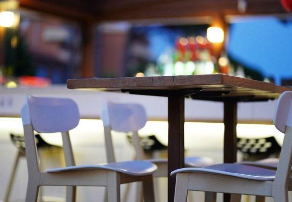 «Βόμβα» Δερμιτζάκη: Να ανοίξουν σχολεία, καφέ και εστιατόρια σε εξωτερικούς χώρους και μαγαζιά με ραντεβού
