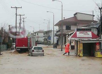 Τραγωδία στον Έβρο – Νεκρός πυροσβέστης από τις πλημμύρες, προσπάθησε να σώσει τους μαθητές
