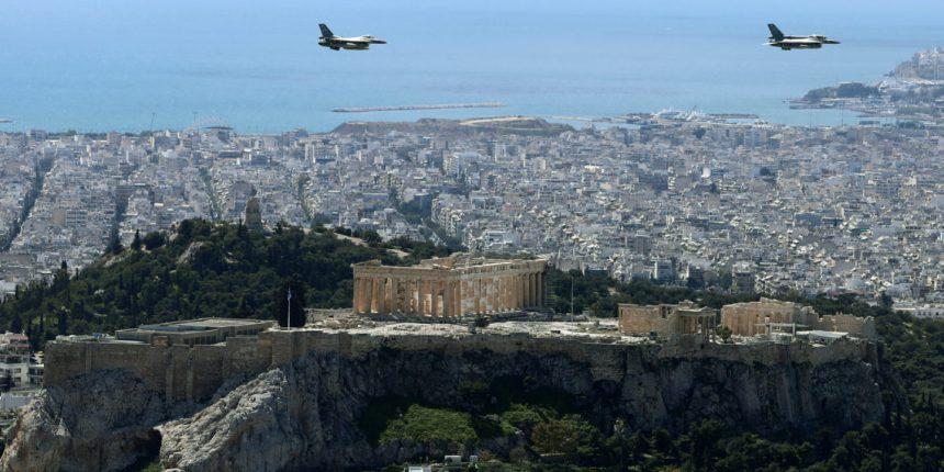 25η Μαρτίου: Έσκισαν τους αιθέρες τα ελληνικά μαχητικά και τα ελικόπτερα